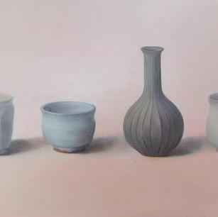 小振りな一輪挿しのある静物 vase and chinas