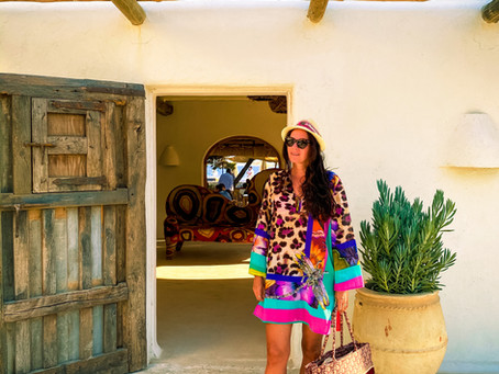 TRAVEL LIFESTYLE IBIZA HOTSPOTS : CALA JONDAL ; DREAM IS UP TO YOU