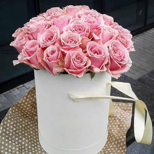 50 Roses in Round Hatbox