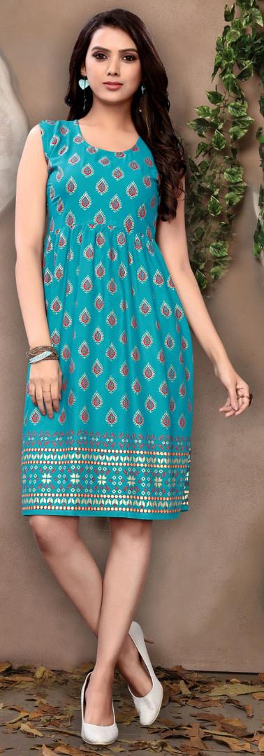 Kaavi Fab Stylish Short Kurti