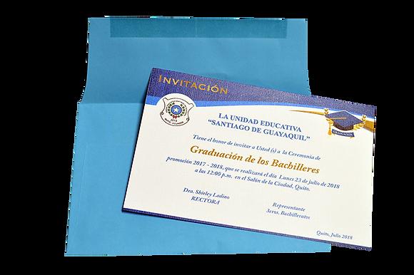 Invitación de grado y sobre azul