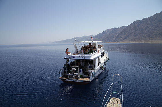 Dahab_-_Boat_&_Diving_-_Egypte_07-2012_(