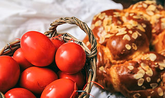 easter-eggs-and-greek-tsoureki-on-a-tabl