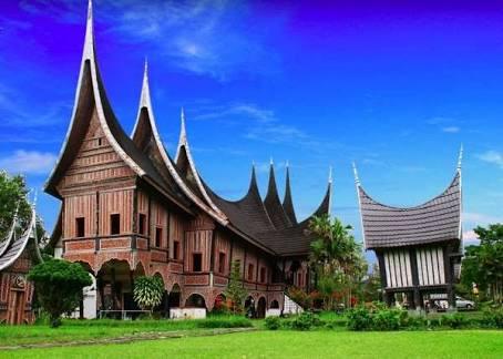 Arsitektur vernakuler Rumah Gadang Minang,  Sumatera barat