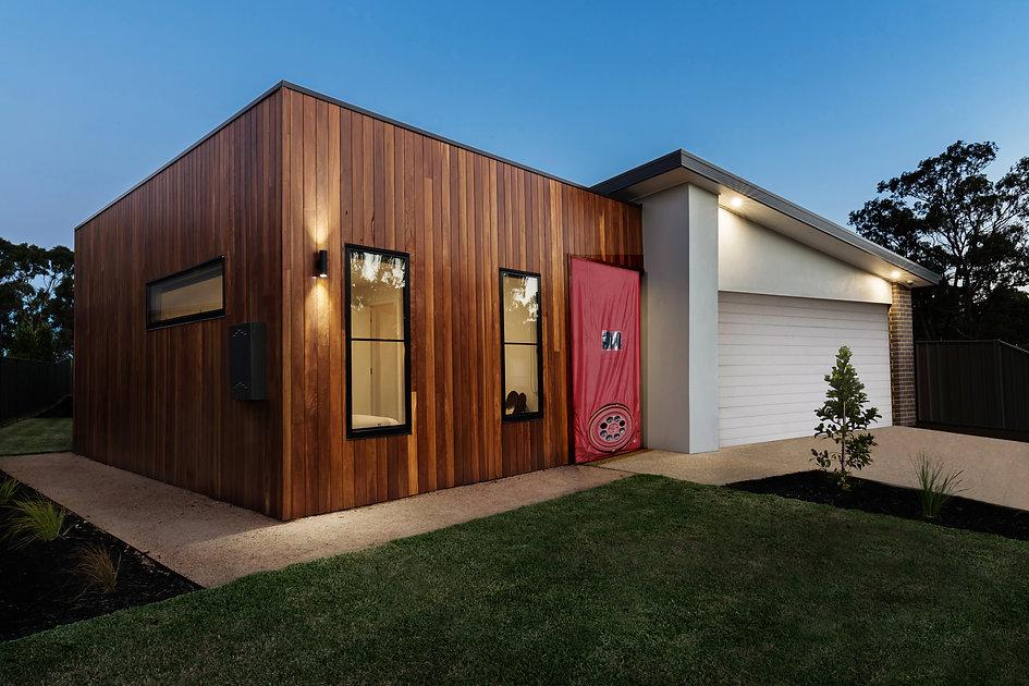 new hus.jpg
