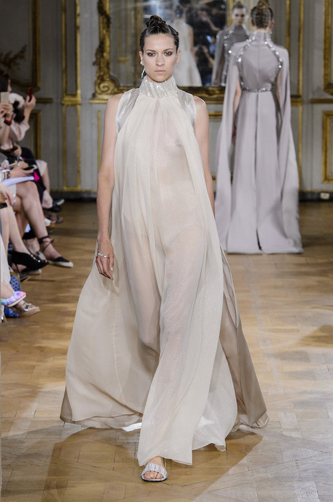 19_Couture_aw_17_18.jpg