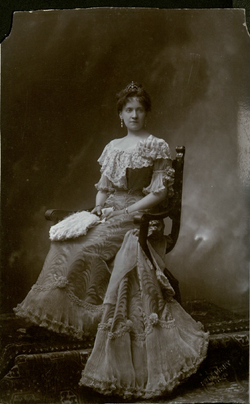 Margarethe op haar paasbest