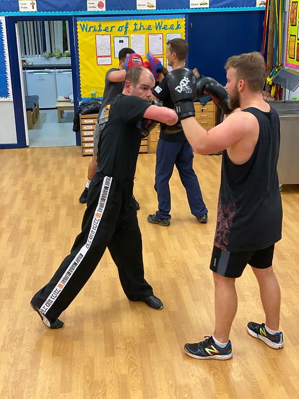 Combat fitness,fighting fit, boxing for fitness, kickboxing for fitness, martial arts for fitness, krav fit, group exercise classes, boxercise, kickboxercise, Aylesbury, Hemel Hempstead, Buckingham, fitness, excercise, boxing for fitness, kickboxing for fitness,