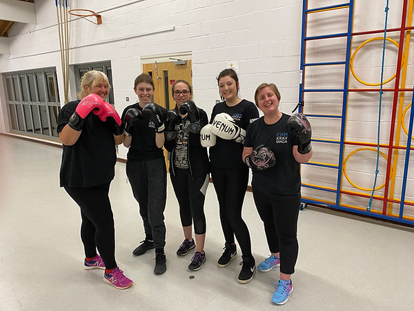 Online fitness classes, kickboxing, boxing for fitnes, krav maga, womens only classes, exercise, fun, boxercise, kickboxercise, aylesbury, hemel hempstead, Buckingham, fitness, martial arts fitness, kickboxing for fitness, fighting fit, combat fit
