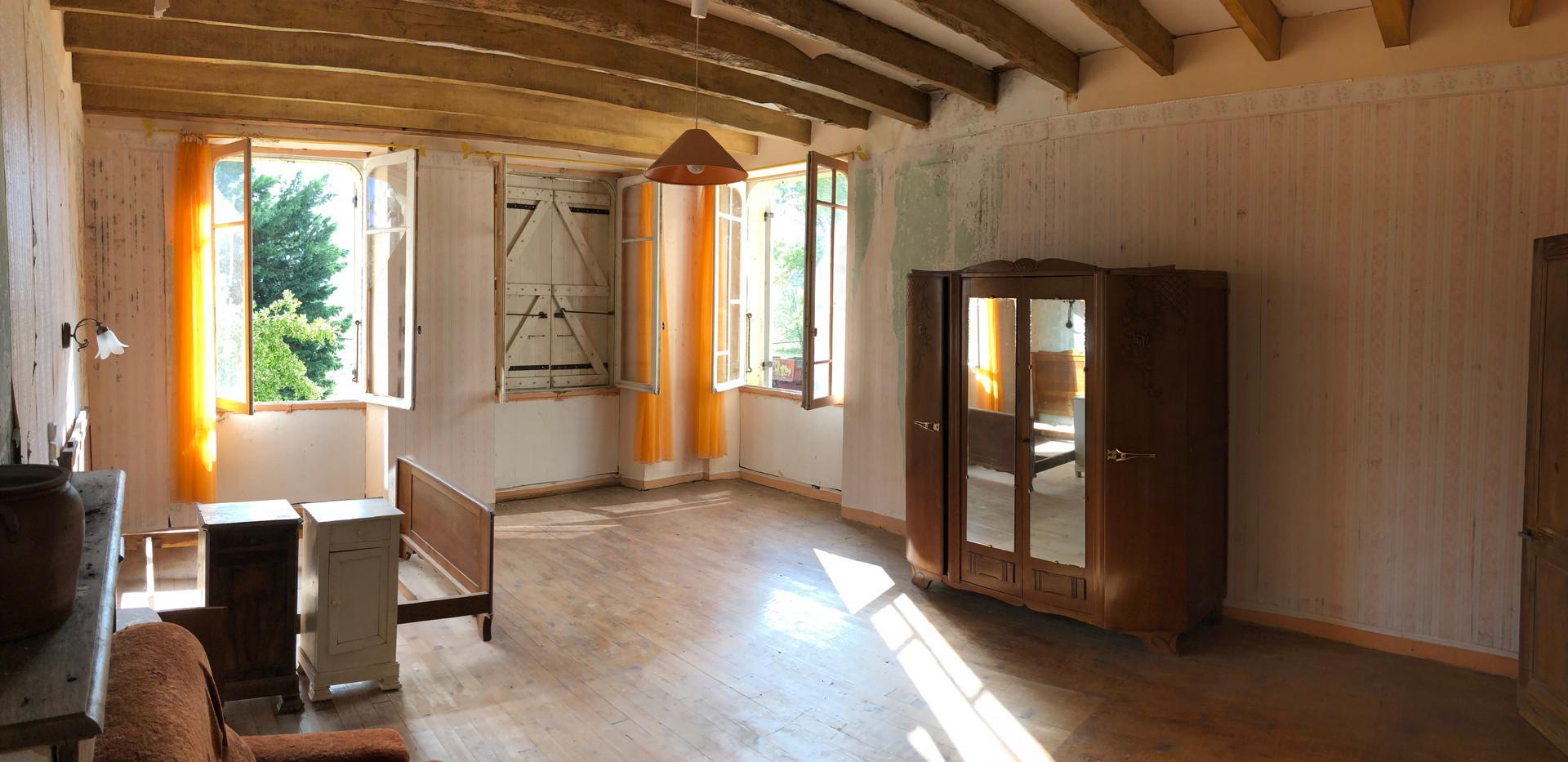 Grande_chambre_étage_2.jpeg