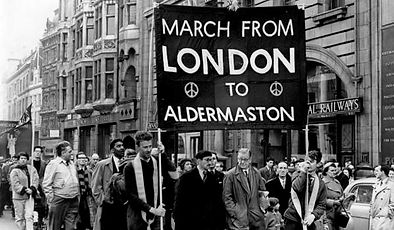 Photo - first Aldermaston marchers.jpg