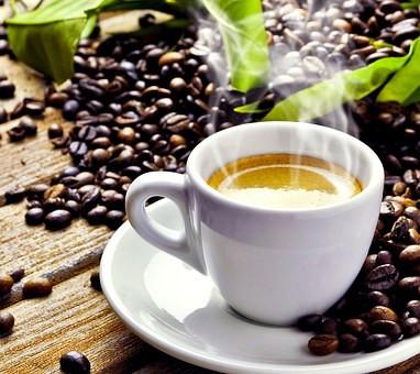Le café : le Dr Jekyll ou M. Hyde?