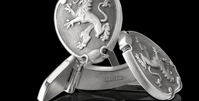 Manschettknappar Lejonbacken, i oxiderat silver