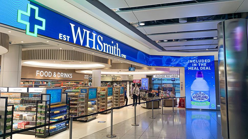 Retail - In-store Digital Media - Heathrow - WHSmith_07-min.jpg