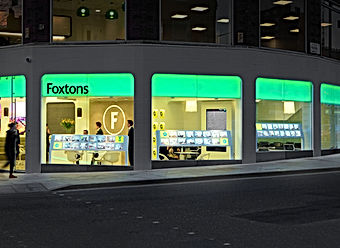 Estate Agents - Digital Store Windows -