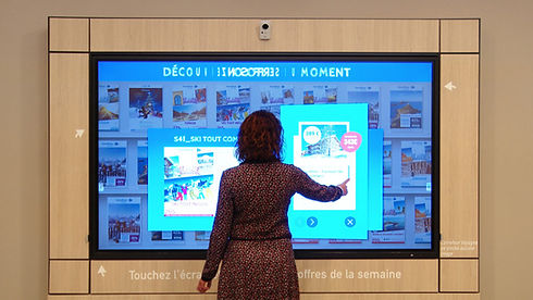 Carrefour interactive holiday brochure rack