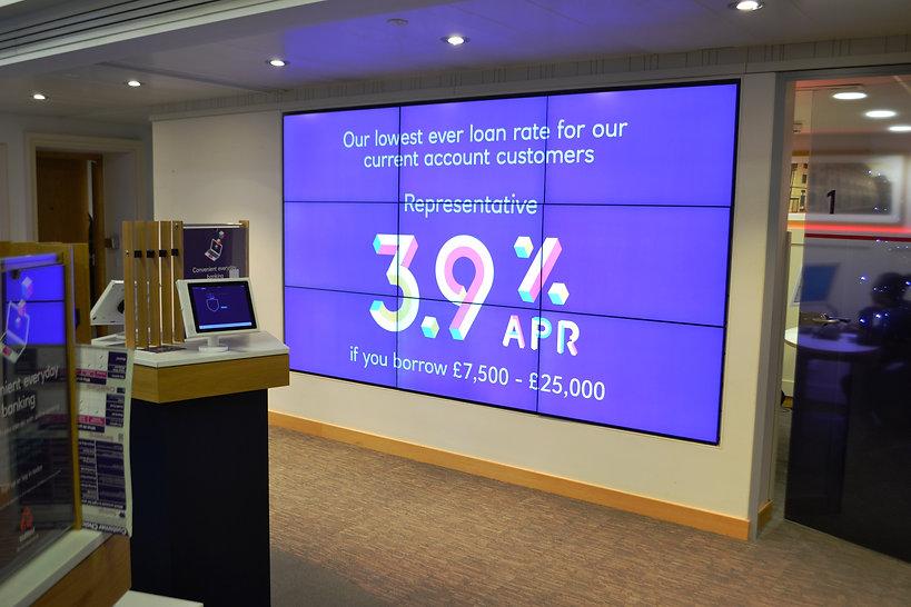 Banking - in-store digital media - NatWest 6.JPG
