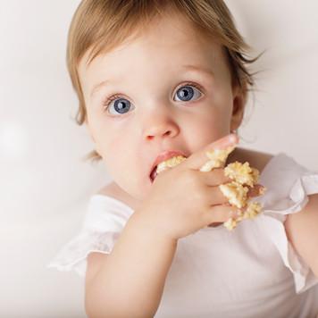 eating cake photos