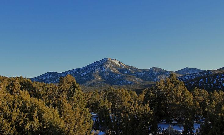 Iron_Mountain%2C_Utah_edited.jpg