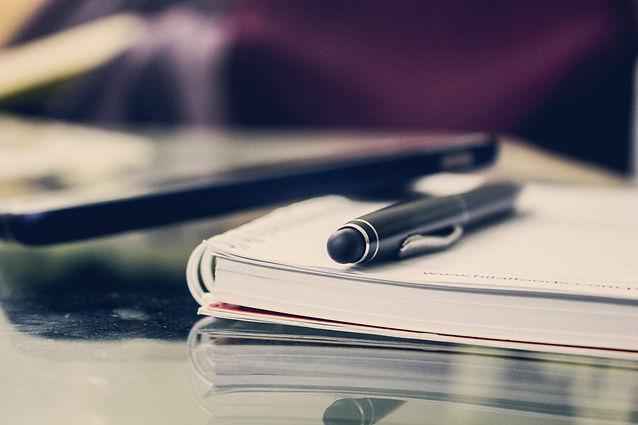 book-bindings-composition-desk-891059.jp