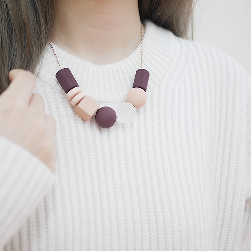 Marshmallow Necklace - ROSY WINE