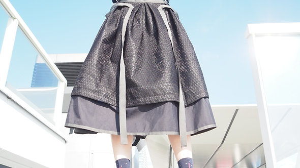Reflective Pattern Stripe Layered Black Skirt