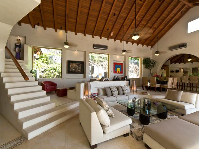 Interior casa que ve al mar, ZIhuatanjo Mx
