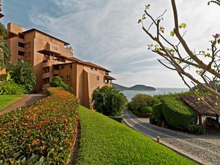Casa que ve al mar, Zihuatanejo Mx