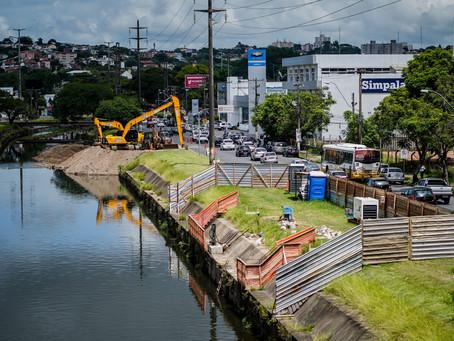 Dragagem no Dilúvio retira mais de 3,5 mil toneladas de materiais