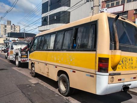 EPTC recolhe mais dois carros clandestinos de transporte escolar