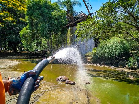 Lago do Parcão recebe água para melhorar oxigenação do local