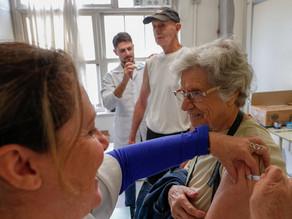 Confira a lista de farmácias de Porto Alegre que aplicarão a vacina contra a gripe em idosos