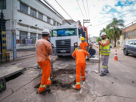 Tampas de ferro terão reparo planejado inédito na Capital
