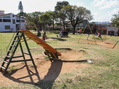 Praça da Amizade recebe revitalização de pavimento e mobiliário
