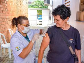 Quase 70 mil idosos são vacinados em dois dias na Capital