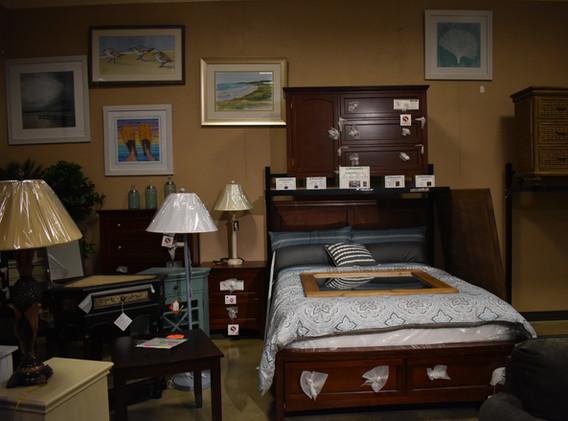 Bedroom Sets & Mattresses