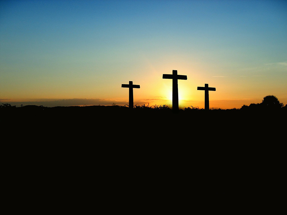 3 Crosses at Sunset (Pixabay)
