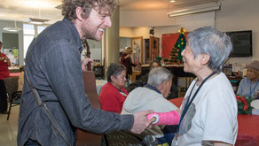 Bread & Roses Helps Seniors Focus on Joy Through Live Music