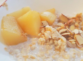 Warm Spiced Pear Oatmeal