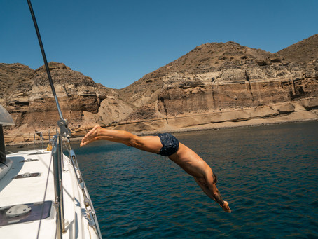 MUST-DO; Catamaran tour around Santorini