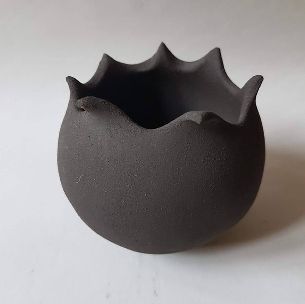 pointed planter