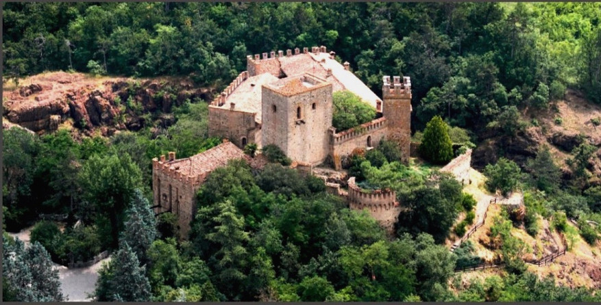 Château de Gropparello - panorama aérien