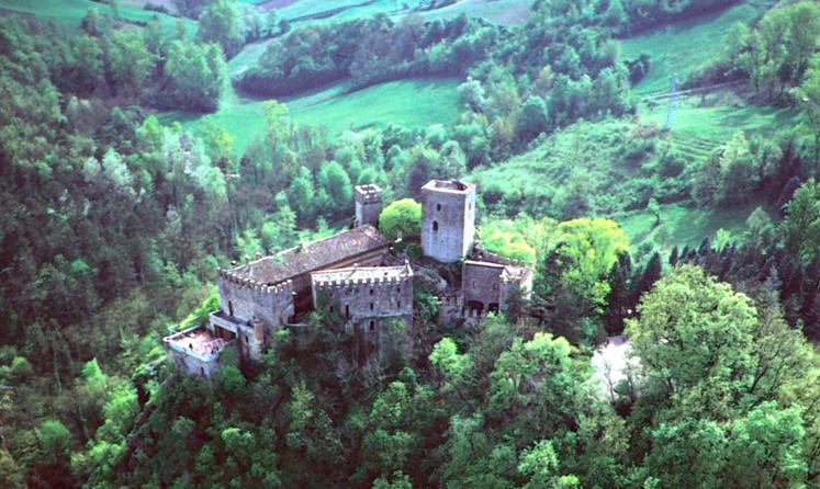 Château de Gropparello - parco.jpg
