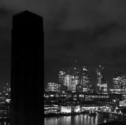 SengFlo_IMG_E7062_bw_London from Tate_72dpi