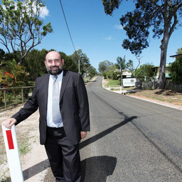 COUNCIL TRIALS NEW METHOD TO BUILD ISLAND ROADS