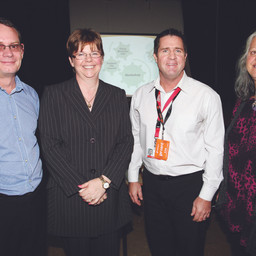 ISLANDERS FIND OUT HOW TO DO BUSINESS WITH COUNCIL