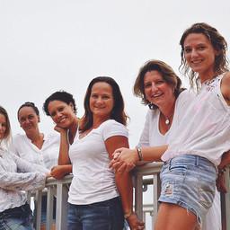 ISLAND SKYDIVE GIRLS RAISE $7200 FOR CHARITY!