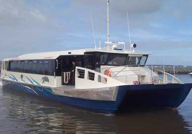 Southern-Moreton-Bay-Islands_Ferry.jpg