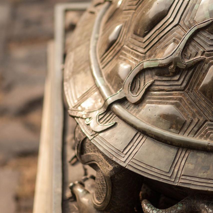Bronze turtle statue decor