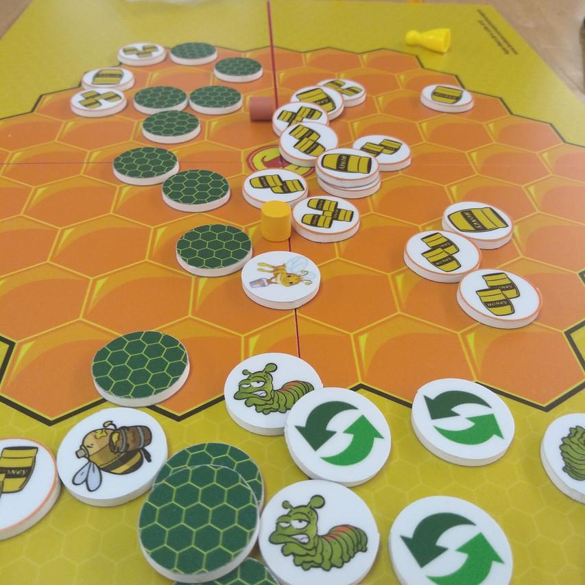 Super Bee Board Game